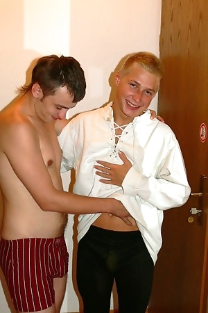 Horny TeenBoys gay Maximilian and Frank fun in hotel room
